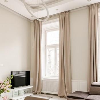 Budapest | District 6 | 2 bedrooms |  2 100 EUR | #026634