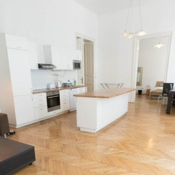 Budapest | District 6 | 2 bedrooms |  99 500 000 HUF | #044646