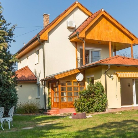 Budapest | District 2 | 5 bedrooms |  2 300 EUR | #101740