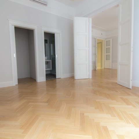 Budapest | District 5 | 3 bedrooms |  200 000 000 HUF | #105426