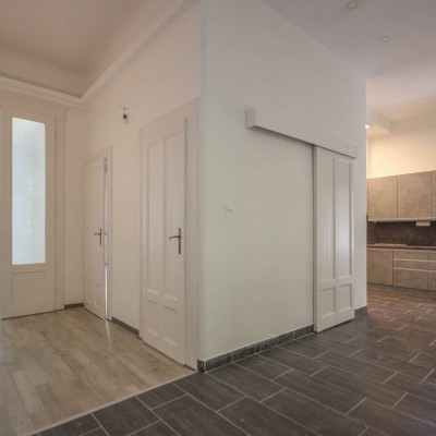 Budapest   District 13   2 bedrooms    98 793 750 HUF   #12000