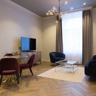 Budapest | District 6 | 3 bedrooms |  325 159 400 HUF | #28640