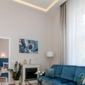 Budapest | District 5 | 2 bedrooms |  2 500 EUR | #430042