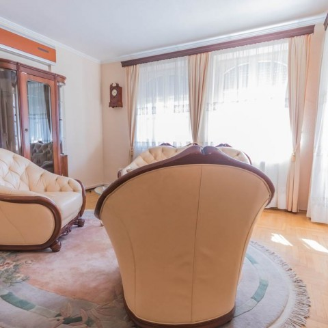 Budapest | District 8 | 2 bedrooms |  1 800 EUR | #43179