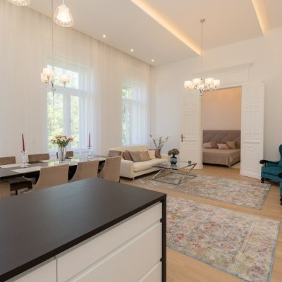 Budapest | District 5 | 3 bedrooms |  7 000 EUR | #45952