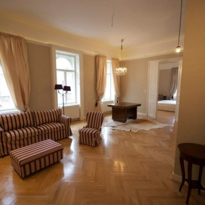 Budapest | District 7 | 2 bedrooms |  1 400 EUR | #4954