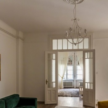 Budapest | District 6 | 2 bedrooms |  112 940 100 HUF | #517685