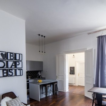 Budapest | District 7 | 3 bedrooms |  85 000 000 HUF | #553703