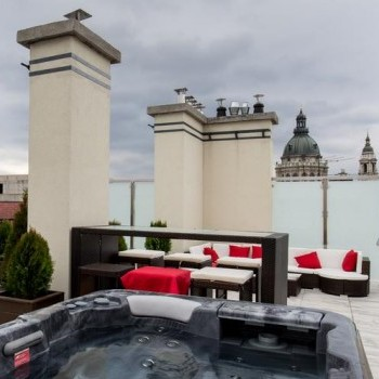 Budapest | District 6 | 2 bedrooms |  2 200 EUR | #60720