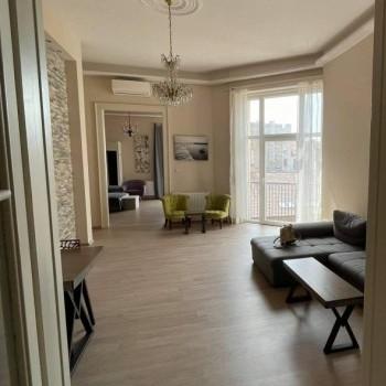 Budapest   6 kerület   2 hálószoba    1 491 EUR   #676267
