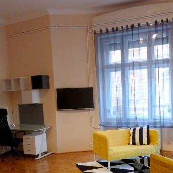 Budapest | District 7 | 5 bedrooms |  1 200 EUR | #740308