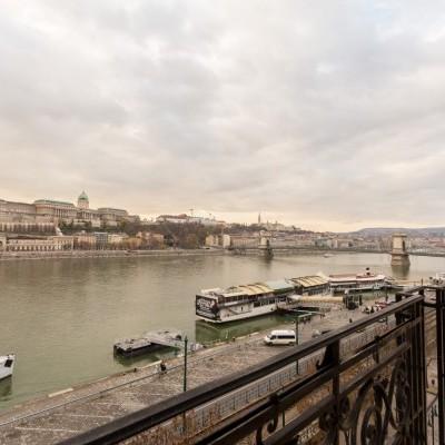 Budapest   District 5   2 bedrooms    2 800 EUR   #97679